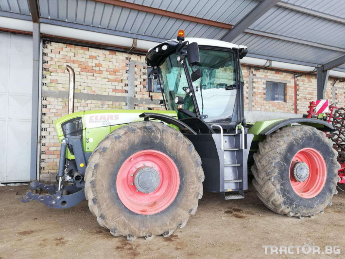 Трактори Claas XERION 3300 0 - Трактор БГ